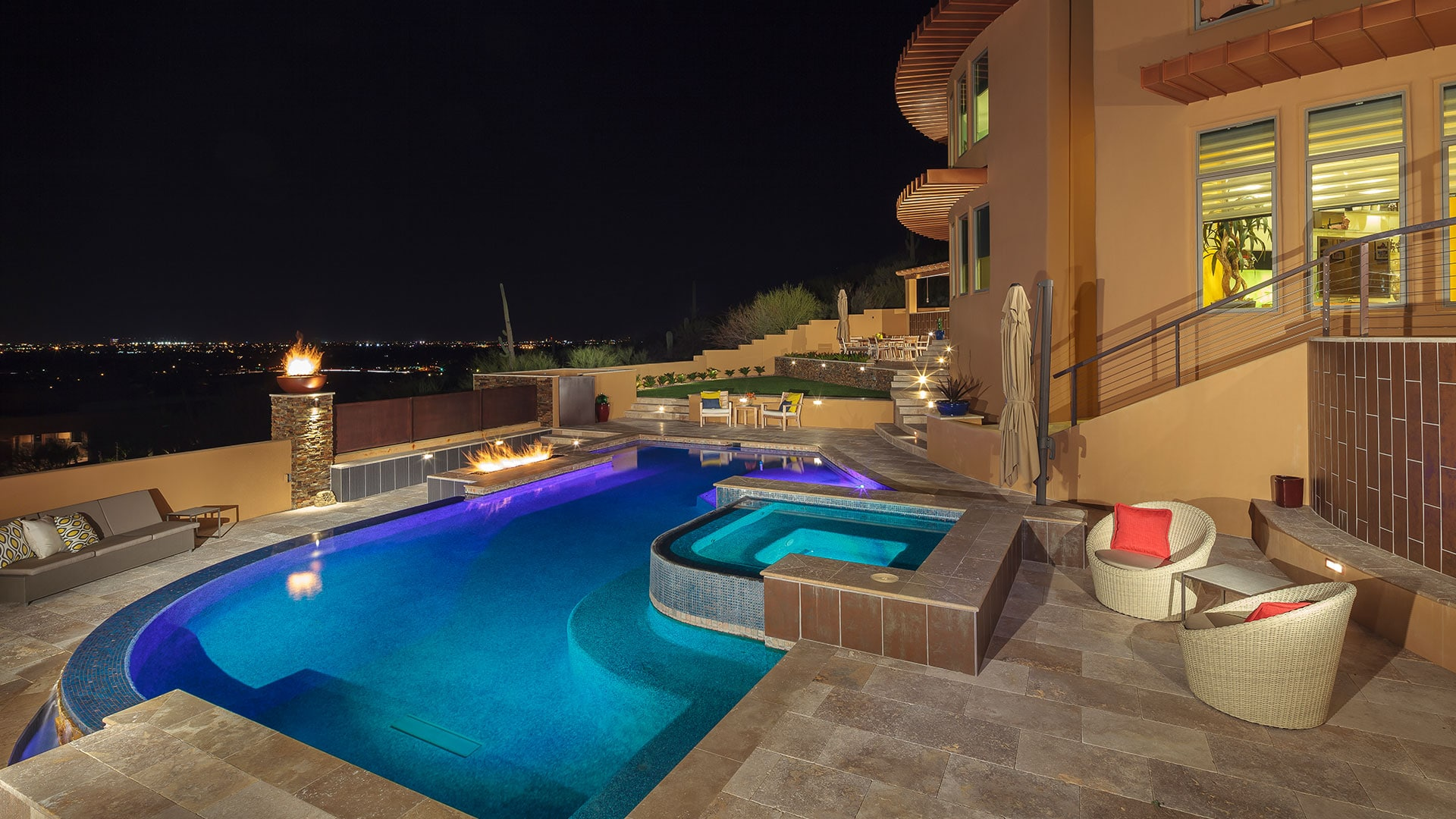 A modern Arizona home with a gorgeous backyard