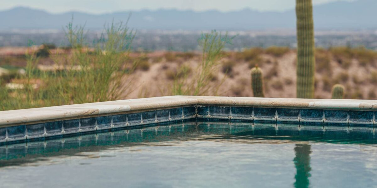A minimalist pool, one of the recent pool trends